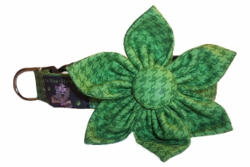 Green Houndstooth Blossom or Bow Tie Collar